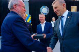 wreczenie nagrody wielkopolski filar biznesu dla dyrektora ppnt
